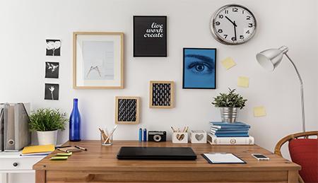 Office-desk-decoration